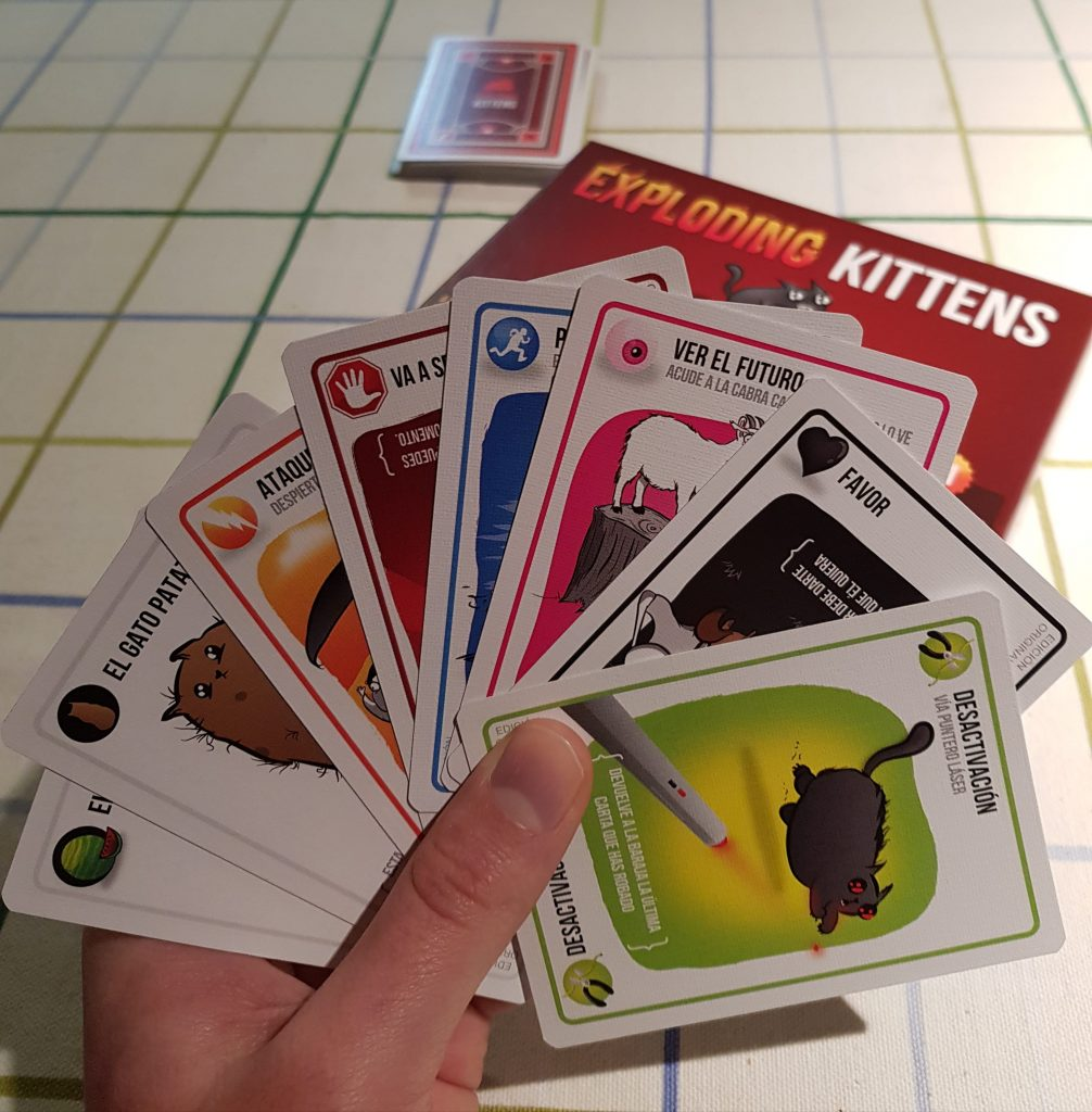 Conoce Exploding kittens!   BOOOM!